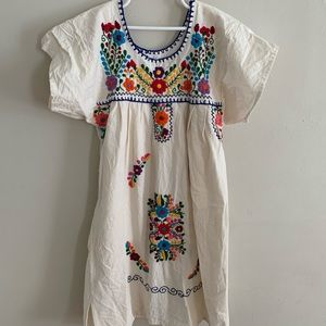 Mexican ethnic embroidered floral dress 10/12